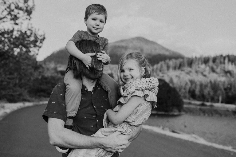 lifestyle family photographer Portland OR
